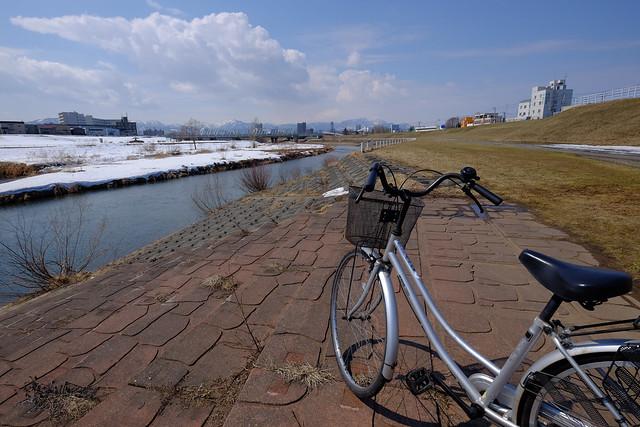 豊平川と自転車
