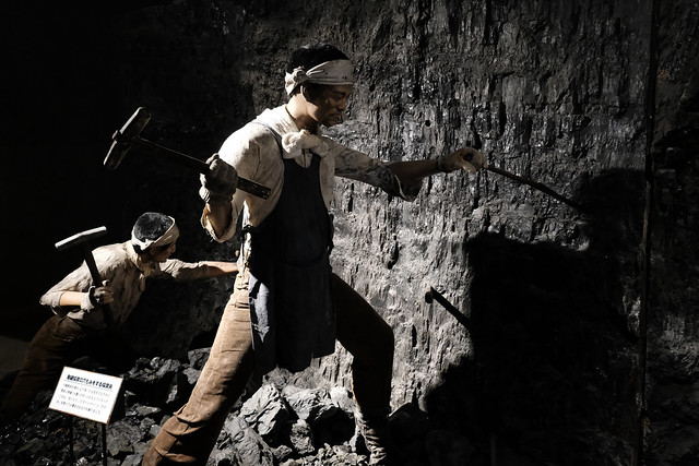 夕張石炭博物館坑道内に展示されているマネキン